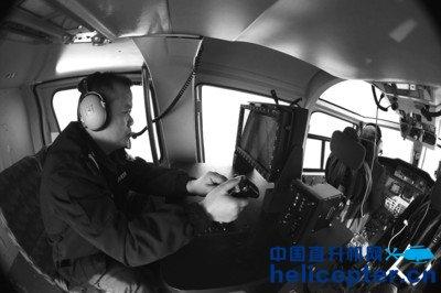 合肥出动直升机巡航高速拍违章 车牌号清晰
